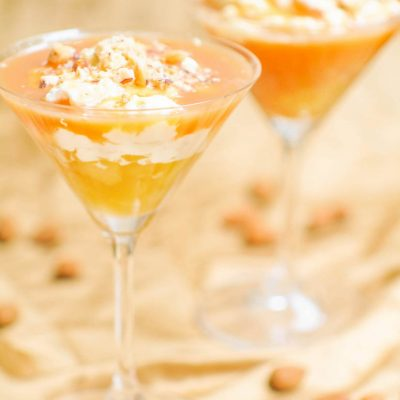 Десерт с карамелью