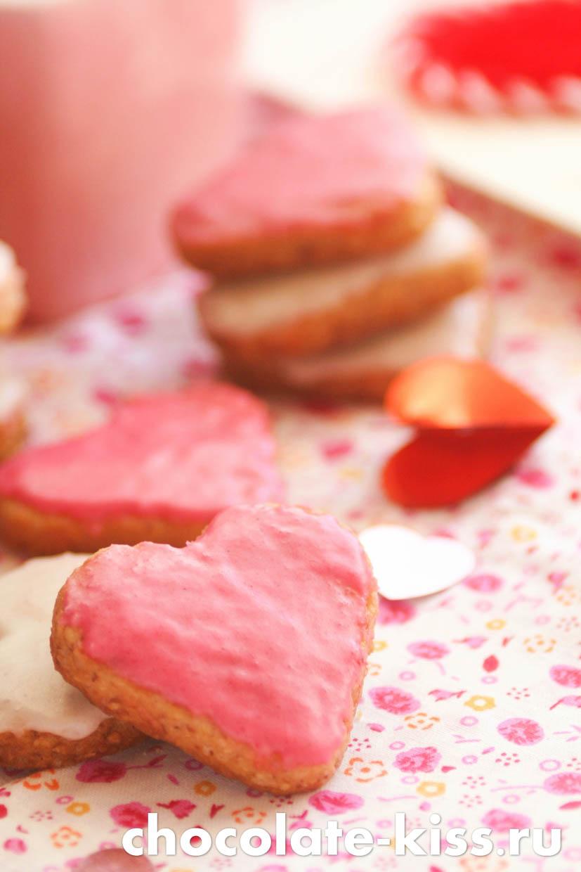 Домашнее печенье в форме сердечка