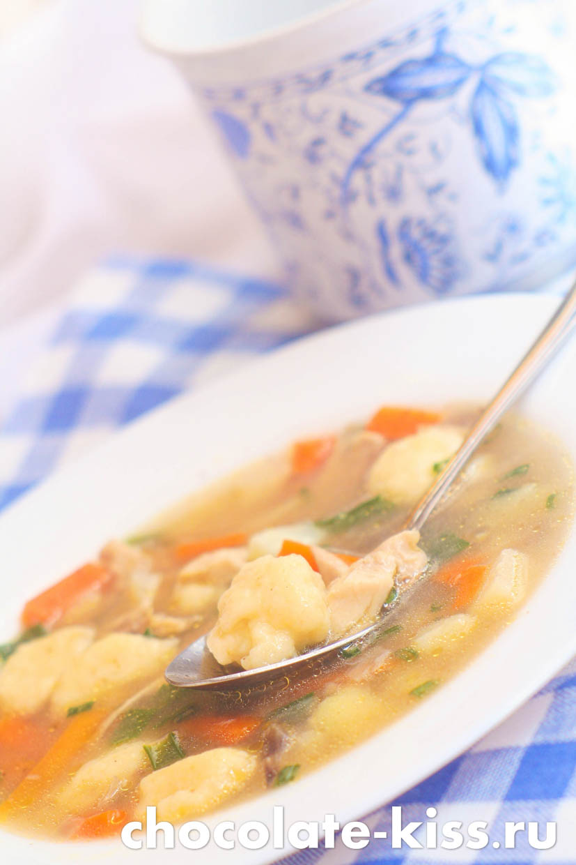 Суп с клецками на курином бульоне