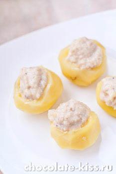 Картофель, фаршированный селедкой