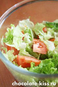 Салат с клюквенным соусом