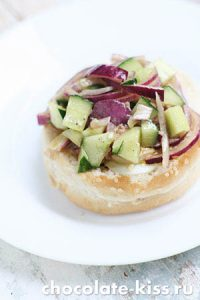 Сэндвич с консервированным тунцом