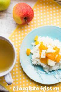 Рисовая каша с фруктами