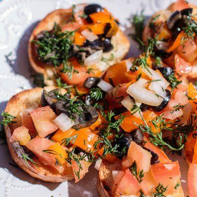 Рецепт брускетты с помидорами