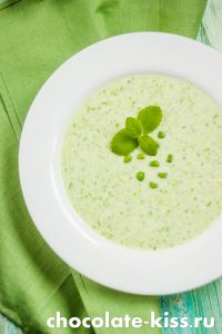 Летний суп с зеленым горошком