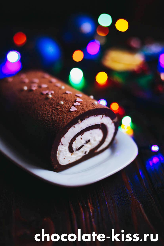 Рулет из печенья с какао без выпечки