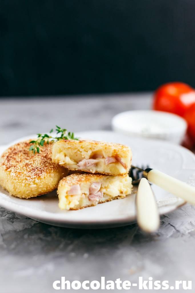 Картофельные зразы с ветчиной и сыром